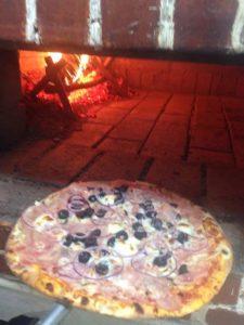 Pizza capriccioasa in Sibiu